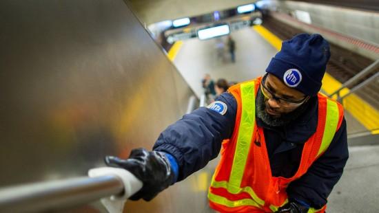 New Yorker U-Bahn wird desinfiziert