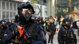 Demonstrieren gegen Tränengas-Einsatz