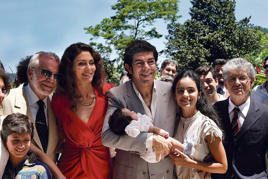 Der Mafioso als Familienmensch: Mit seiner brasilianischen Frau Cristina (Maria Fernanda Cândido) feiert Buscetta (Pierfrancesco Favino) die Taufe des jüngsten Sohns.