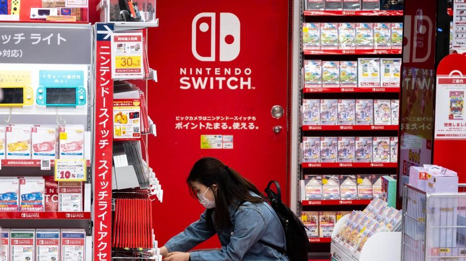 Im Jahr 2020 verkaufte Nintendo mehr als 28 Millionen Exemplare seiner beliebten Spielkonsole Switch.