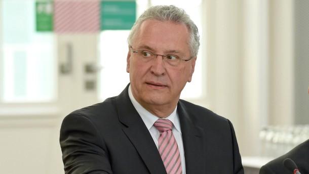 "Anwalt darf Innenminister Herrmann ""wunderbares Inzuchtsprodukt"" nennen"