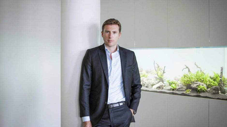 Hat die Lizenz zum Grasanbau: Clemens Fischer will mit seinem neuen Schmerzmittel einen Blockbuster auf den Markt bringen.
