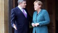Merkel besucht Gordon Brown