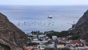 Bleibt St. Helena in der Verbannung?