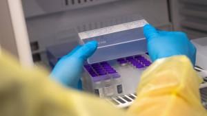 BioNTech-Vakzin kann künftig länger im Kühlschrank gelagert werden