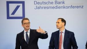 Wie hält die Deutsche Bank die Anleger bei der Stange?