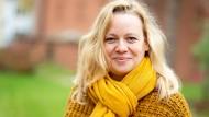 Julia Frank, Konzertmanagerin und Vorsitzende des Stadtelternbeirates, ist gemeinsam mit Daniel Frank zur neuen Sprecherin der Frankfurter Grünen gewählt worden.