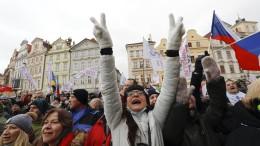 Tschechen demonstrieren gegen Corona-Maßnahmen