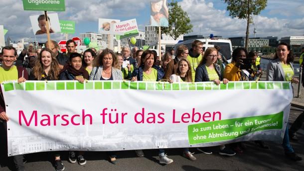 """Gießen will """"Schutzzonen"""" vor Praxen prüfen lassen"""