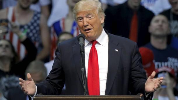 """Trump bezeichnet Bündnis gegen ihn als """"erbärmlich"""""""