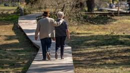 Das kinderlose Paar provoziert schnell Streit ums Erbe