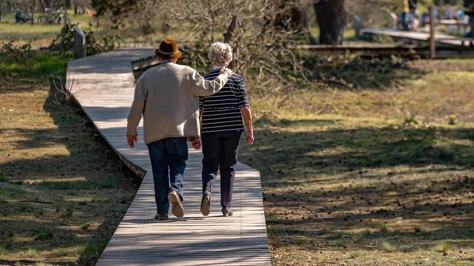Wer erbt eigentlich, wenn ein Paar kinderlos bleibt? (Symbolbild)