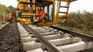 Immer in Bewegung: Die ganze Baustelle rollt über die Schienen, so auch dieser Arbeitssitz.