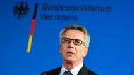 De Maizière: Islamverbände müssen mehr für Integration tun