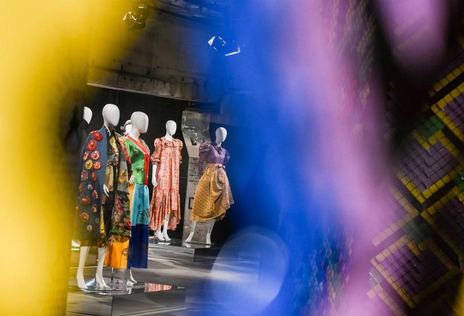 """Die Gruppenausstellung """"Der Berliner Salon"""" kehrt 2021 zur Berlin Fashion Week zurück."""