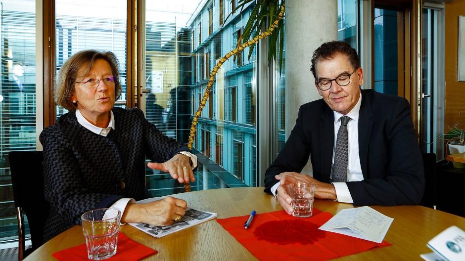 Gerd Müller und Marlehn Thieme sind sich einig, dass Regierungen im Kampf gegen Hunger mehr unternehmen müssen.