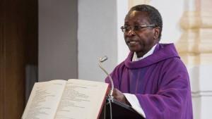 Seehofer entsetzt über Morddrohungen gegen afrikanischen Pfarrer