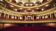 Wiesbadener Staatstheater: Seit Monaten müssen die Reihen leer bleiben (Archivbild).