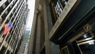 Der Sitz der Deutschen Bank an der Wall Street in New York