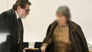 Mutmaßliche Sekten-Chefin muss sich wegen Mordes vor Gericht verantworten