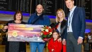 Willkommen am Frankfurter Flughafen: der siebzigmillionste Fluggast des Jahres 2019.