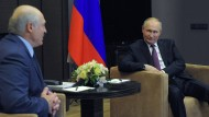 Die autoritären Machthaber halten zusammen: Alexandr Lukaschenko und Wladimir Putin am Freitag in Sotschi