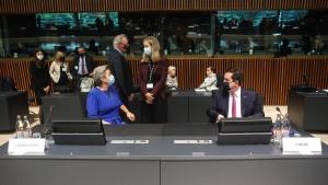 Gibt es bald eine Asylprüfung an der EU-Außengrenze?