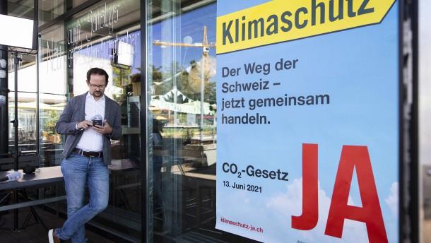 Schweizer lehnen schärferen Klimaschutz ab