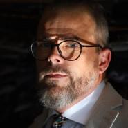 Krawattenhersteller Sascha Blick sieht die Zukunft der Krawatte realistisch.