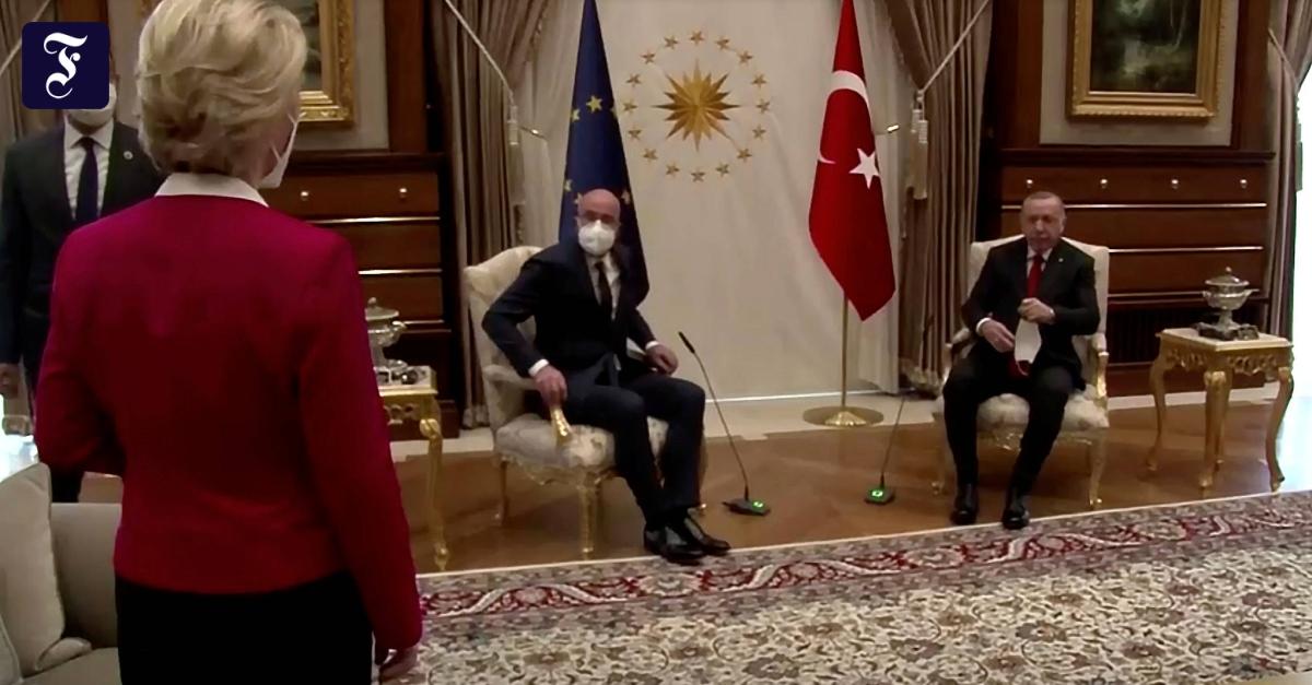 """Sitzordnung bei Erdogan: EU-Parlament verlangt Aufklärung in """"SofaGate""""-Affäre"""