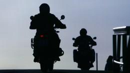 Demonstration gegen Sperrungen für Motorradfahrer