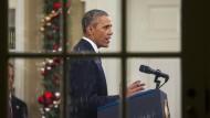 """""""Wir werden den IS zerstören"""": Obama in seinem weihnachtlich geschmückten Oval Office"""