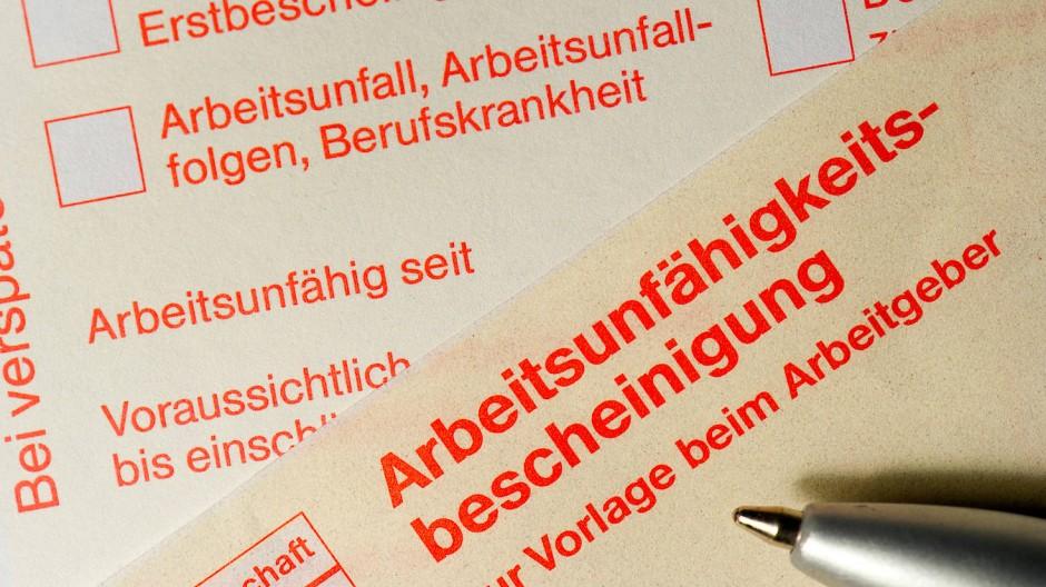 Steigende Zahlen: Immer öfter fehlen Mitarbeiter der Stadtverwaltung wegen Krankheit am Arbeitsplatz.