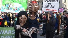 Hunderte demonstrieren gegen Sicherheitskonferenz