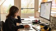 Sechstklässler beim Homeschooling: Seit Montag findet der Schulunterricht in Deutschland überwiegend wieder digital statt.