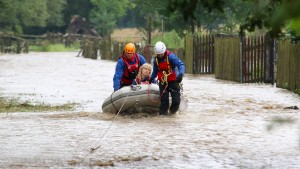 Regenfälle lassen Talsperre im Harz überlaufen