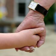 Kein Abstand: Wer Kindern in Gefahr hilft, muss bei ihnen sein.