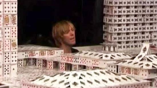 Weltgrößtes Kartenhaus steht in Macau