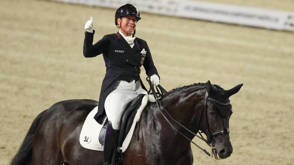 Dressurreiterin Isabell Werth auf Pferd Weihegold