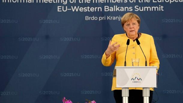 Merkel reagiert zurückhaltend auf Ampel-Gespräche