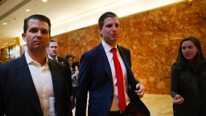 Trump-Söhne sollen Kontakt zu Vater gegen Spenden anbieten