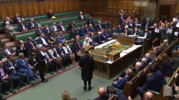 Proteste gegen Parlamentspause