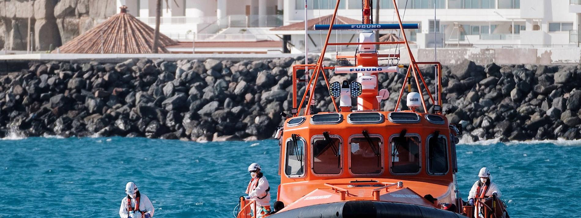 Spanische Küstenwache rettet Dutzende Flüchtlinge