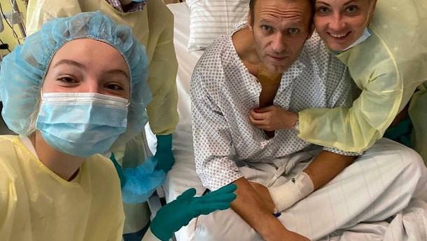 Nawalnyj wurde angeblich schon im Hotel vergiftet