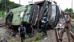 Mehrere Tote nach schwerem Bus-Unfall