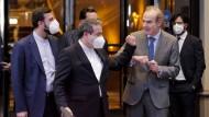 Irans Atom-Verhanldungsführer Abbas Araghdschi (vorne) am Mittwoch in Wien