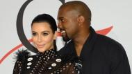 Heiliger Bimbam: Kim Kardashian und Kanye West überraschen mit der Namensgebung bei ihrem Sohn.