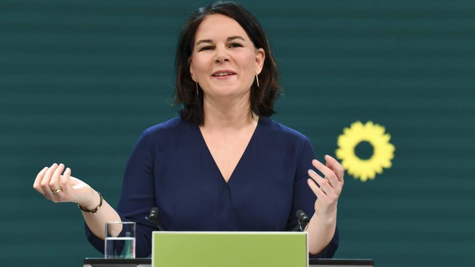 Die Grünen feiern Baerbock als ihre Kanzlerkandidatin, dabei will sie doch eigentlich Kanzlerin werden.