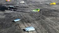 Kein seltener Anblick: In Kopenhagen liegen Lachgaspatronen und Luftballons auf der Straße (Archivbild).