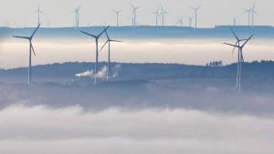 In Hessen eskaliert der Streit über Windräder